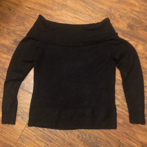 Sophie Rue Sweaters - Sophie Rue off the shoulders size small sweater